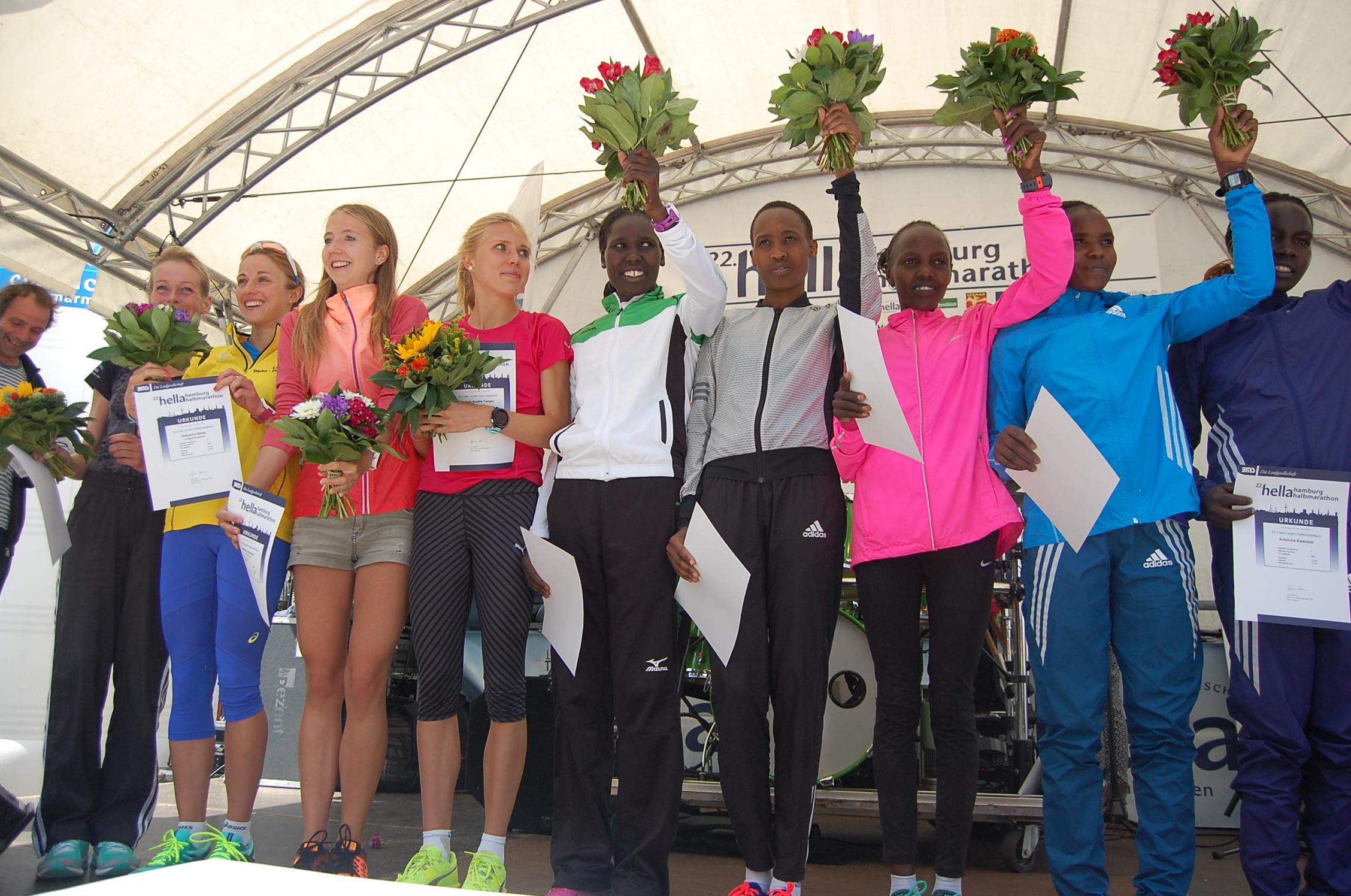 22. hella Halbmarathon: Siegerehrung Frauen (Gesamtwertung)